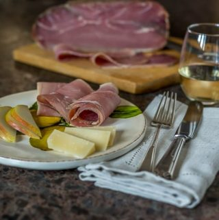 prosciutto crudo with regiano parmesian and pears