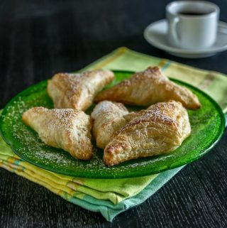 pastelitos de guava turnovers
