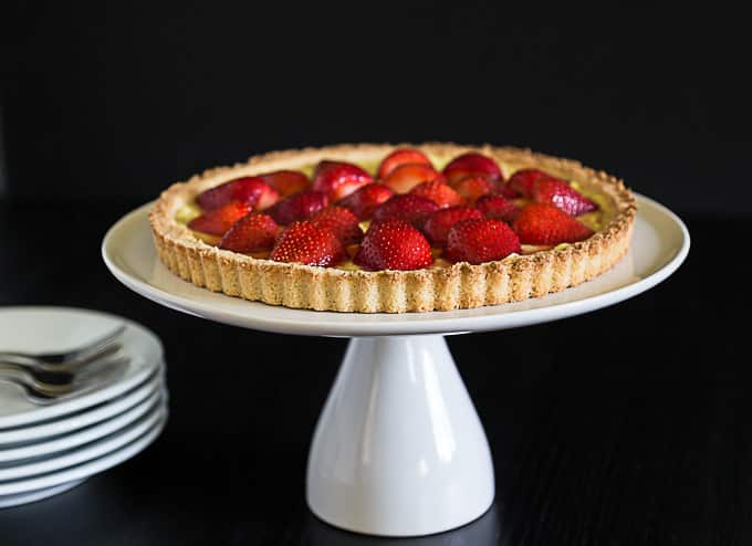 French strawberry tart with vanilla custard and a shortbread crust. | ethnicspoon.com
