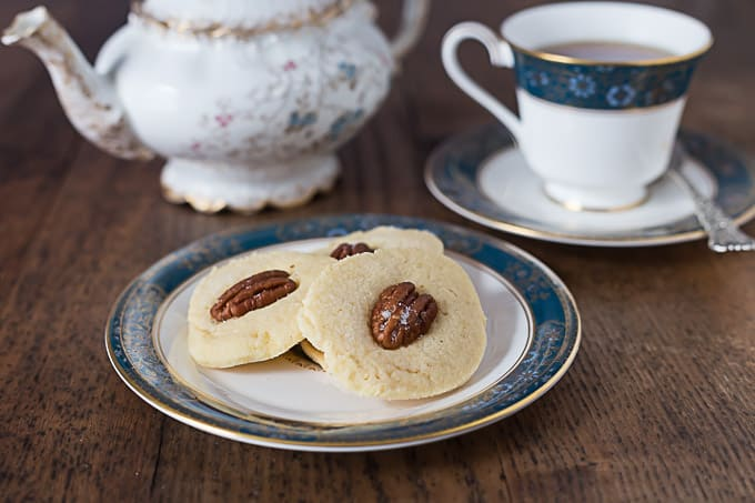 Irish shortbread butter cookies recipe for tea time or anytime | ethnicspoon.com