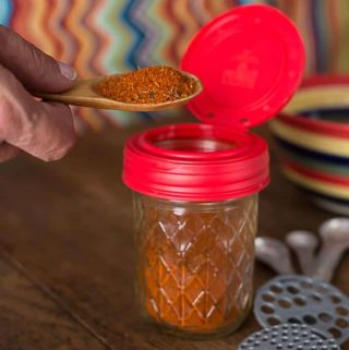 DIY: Make your own chili powder recipe and store in a reCAP flip cap. | ethnicspoon.com