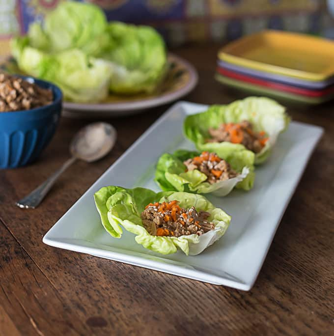 A very simple recipe for spicy Thai style lettuce wraps. | ethnicspoon.com