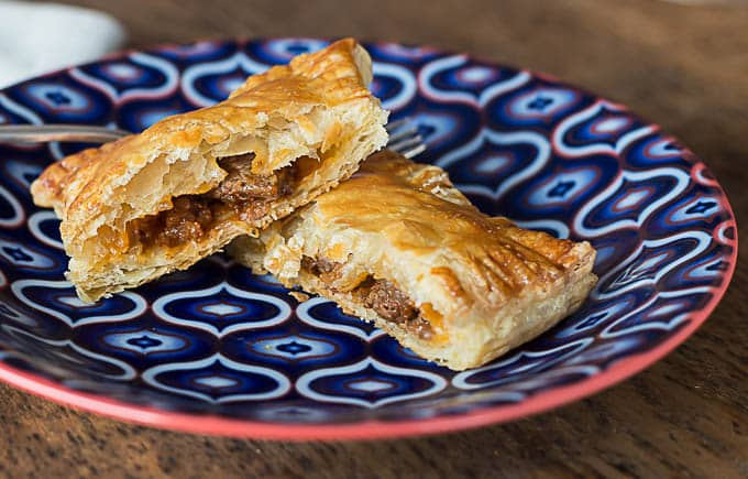 A very easy recipe with puff pastry for Turkish Talas Kebabi, meat filled pastry. | ethnicspoon.com