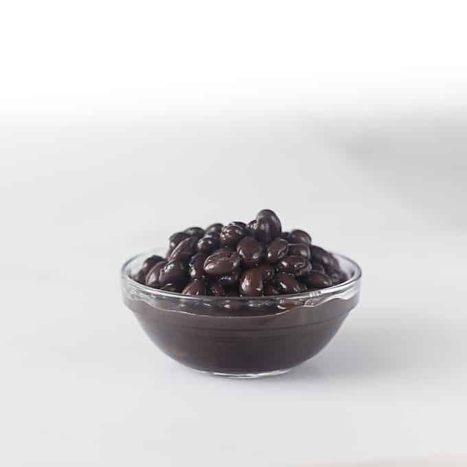 Essential ingredients for Latin American cooking: Black beans | ethnicspoon.com