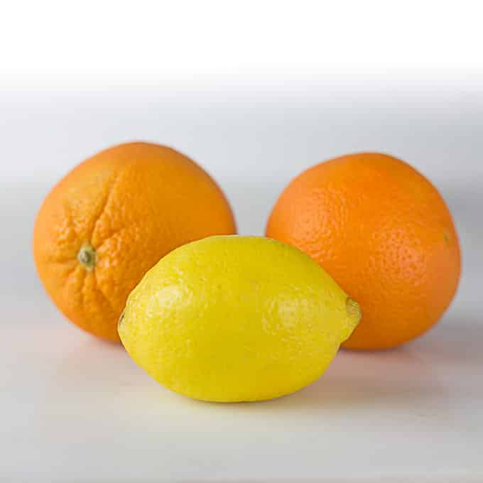 Essential ingredients in Latin American cooking: Oranges and Lemons | ethnicspoon.com