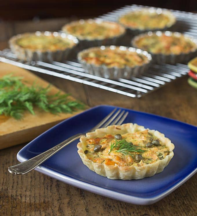 Irish pub salmon tartlets with a simple 6 ingredient filling: Smoked salmon, dill, sour cream, capers and egg yolks together are a simple and elegant dish! | ethnicspoon.com