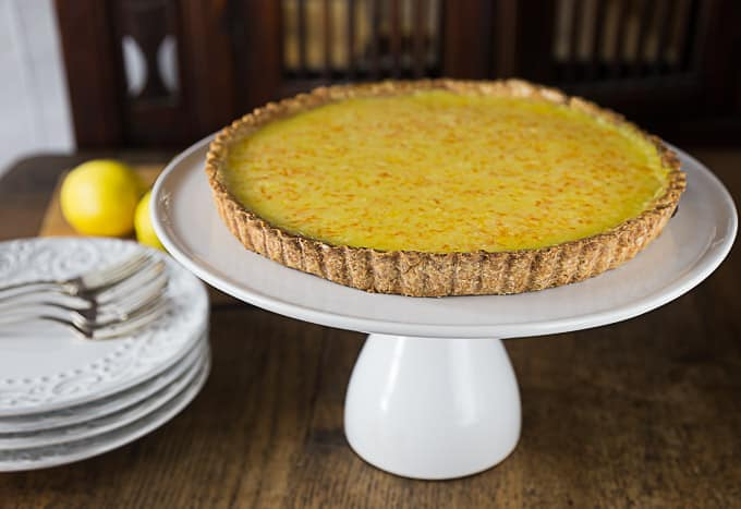 How to make the best lemon tart I have ever eaten! A great combination of sweet, tart and creamy filling with a nice crunchy short crust. | ethnicspoon.com