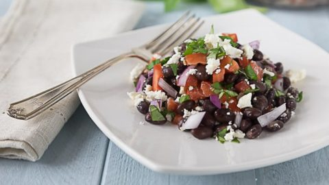 You will love this black bean, feta, basil, red onion and tomato salad. Try a great cool summer salad with bright herb flavors of basil and thyme. | ethnicspoon.com