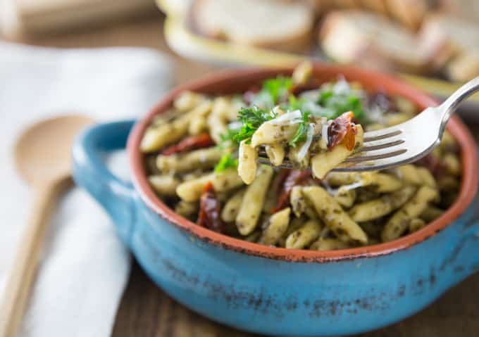 What to make when you're short on time, but you still want a great meal?. Give Barilla Ready Pasta a try. Toss in some sun dried tomatoes, and tasty pesto sauce, and Voila! | ethnicspoon.com