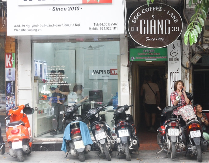 where to find egg coffee in Hanoi